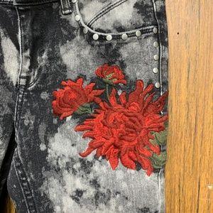 Zara Jeans - NEW Zara Floral Embroidered Acid Wash Skinny Jeans